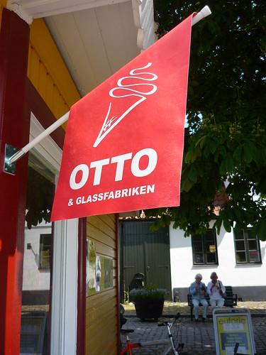 Otto makes ice cream