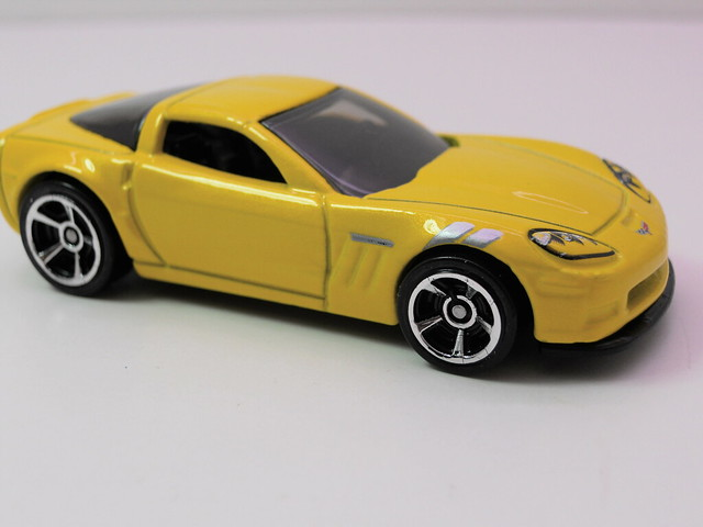 hot wheels '11 corvette grand sport (2)