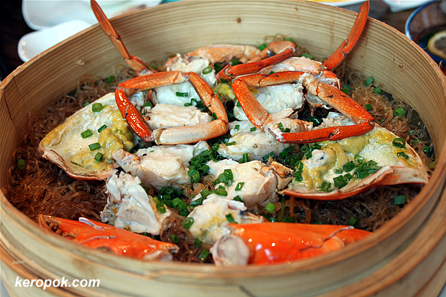 Lotus Leaf Steam Crab with vermicelli