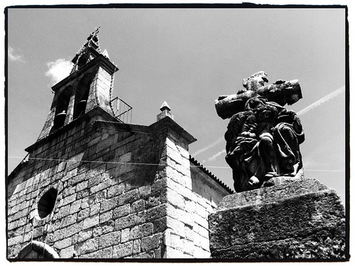 (151/365) Igrexa de Bembrive by albertopveiga