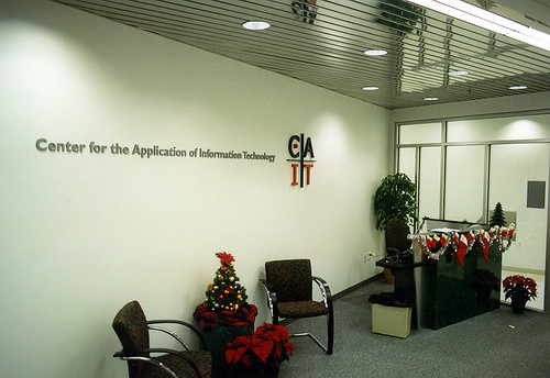Center for the Application of Information Technology, Washington University, Lobby