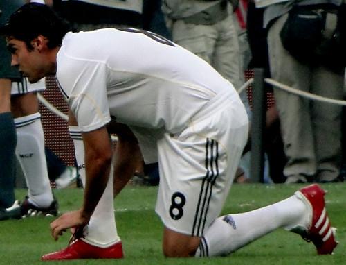Kaka on his knee