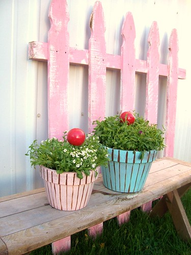 Cupcake Planter Tutorial by whimsylove.