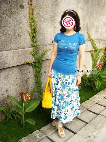 密友穿著小藍雛菊的實穿照。