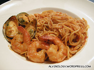 Han Joos seafood pasta (I dont remember her praising the mussels...)