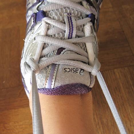 tie_shoes
