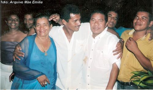 Mãe Emilia e seu Francisco Borges, e mais cinco dos sete filhos que têm.