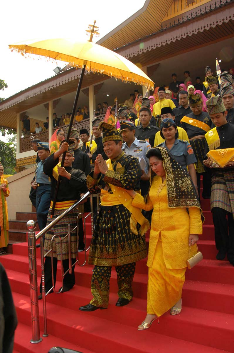 Tradisi Petang Megang : tradisi, petang, megang, Indonesia's, Songket, Ceremonial, Dress, Images, Issues, SkyscraperCity