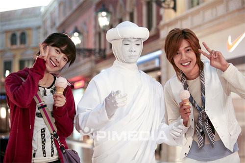 Geum Jan Di dan Yoon Ji Hoo Mengekspresikan Diri Mereka Saat di Makau