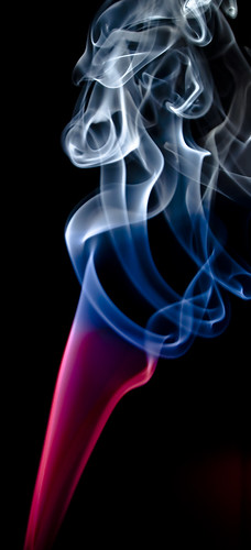 Using flash gels to colorize smoke