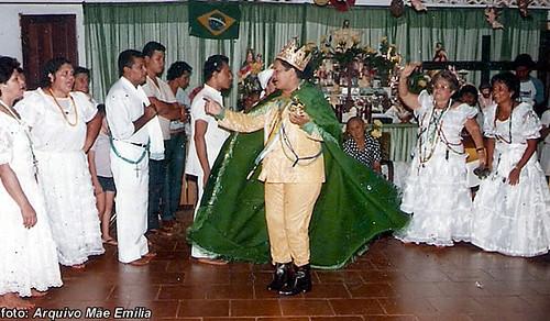 Recebendo Barão de Goré; em outro terreiro de Mãe Nazaré, no Maranhão