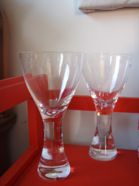 wine glasses2.jpg