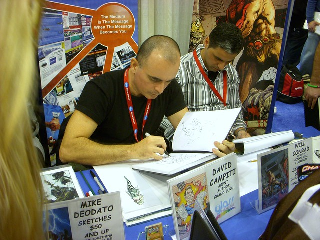 Mike Deodato sketching at New York Comic-Con 2009