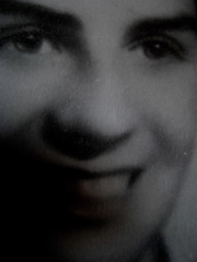 Gabriella Romano, Il mio nome è Lucy. L'Italia del XX secolo nei ricordi di una transessuale, Donzelli 2009: Tav. n. 1 fuori testo: ritratto fotograf. b/n di Lucy (part.), 10