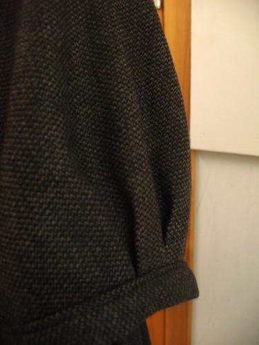 wool balloon dress - sleeve detail