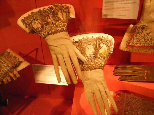 Late Tudor & Jacobean Gloves