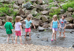 "Emily, Kelly, Holly and two other children • <a style=""font-size:0.8em;"" href=""http://www.flickr.com/photos/54494252@N00/3523901829/"" target=""_blank"">View on Flickr</a>"