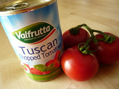 Fresh tomatoes, tinned tomatoes