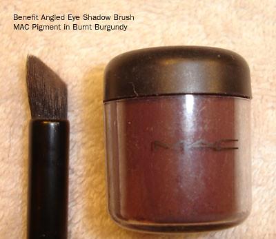 Benefit Angled Shadow Brush - MAC Pigment Burnt Burgundy