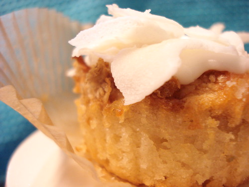 sunny piñacocopop cupcake (vegan)