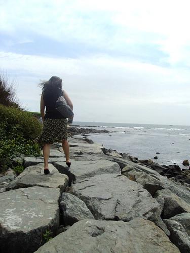 Mother traversing the rocks.