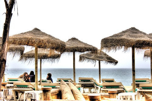 Marbella Beach - foto: Two Steps Behind, flickr