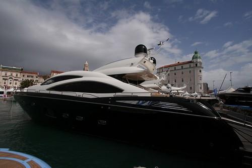 Sunseeker yacht...