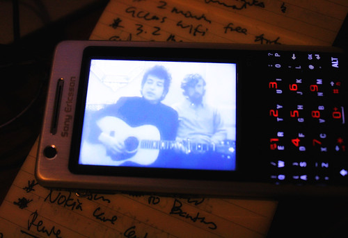 Bob Dylan playing in my Sony Ericsson P1i.