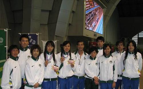 811團長麥志權祝賀獲獎及破紀錄的教練及運動員