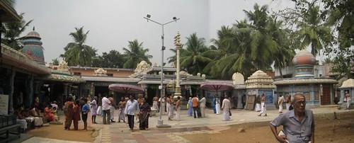 Sri Navaneetha Krishnan Sri Lakshmi Narasimhar Temple