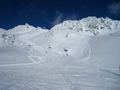 Perfect skiing conditions: blue skies, loads of snow, empty pistes