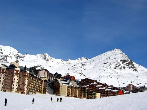 Val Thorens village, accessible by skis.