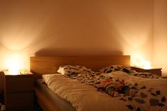 2 x lampan Knubbig i sovrummet