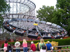 Cedar Point - Witches Wheels