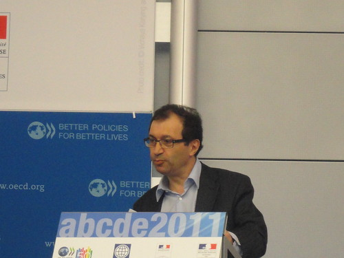 Daniel Cohen, Paris School of Economics (PSE), speaking at the ABCDE 2011
