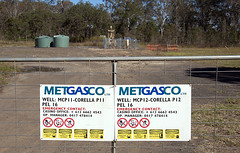 MetGasCo gate & signs