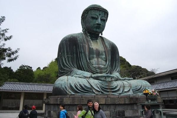 Pau i Vero ante el Daibutsu de Kamakura
