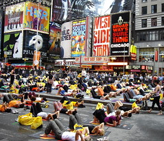 Big yoga class in Times Square
