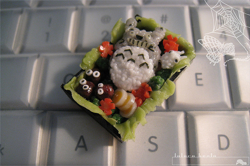 Miniature Totoro bento by asuka sakumo, Posted/created by 5/1/2009