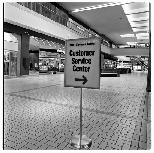 SCRTD - Del Amo Customer Service Center RTD_1119_11