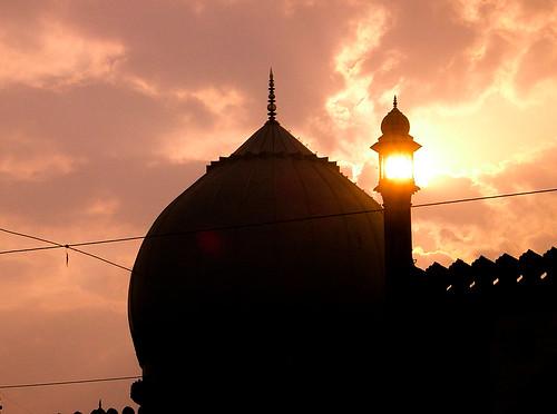 Taj-ul-Masjid.