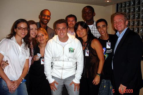Jovens Embaixadores visitam Luciano Huck / Youth Ambassadors visit Luciano Huck por Embaixada dos EUA - Brasil.