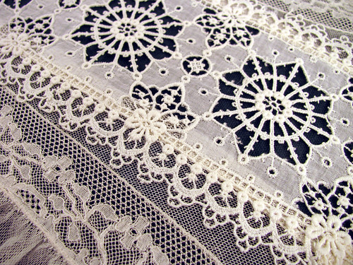 Lace-Panel-CloseUp