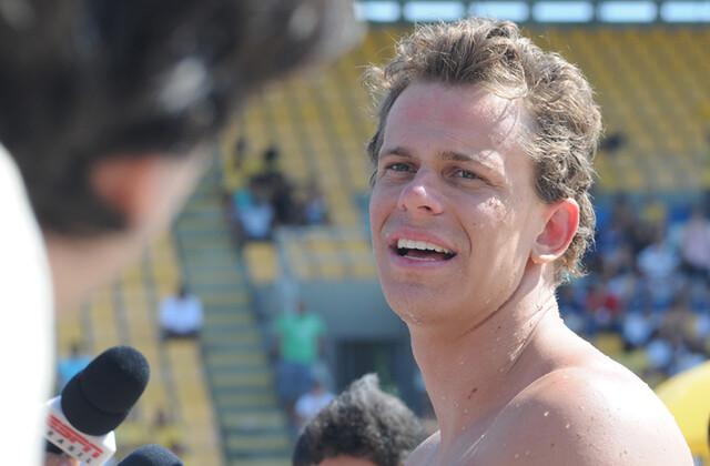 César Cielo após terminar a prova de revezamento para o Flamengo