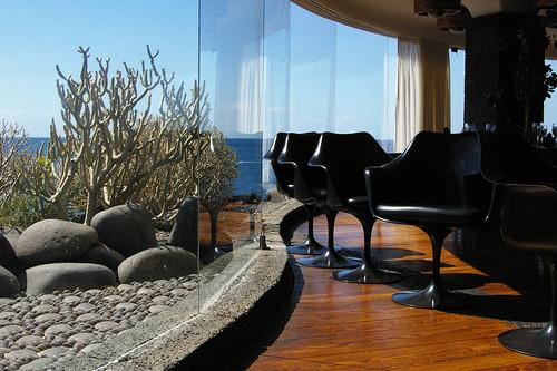 70s lounge