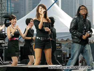 Tay Kewei singing