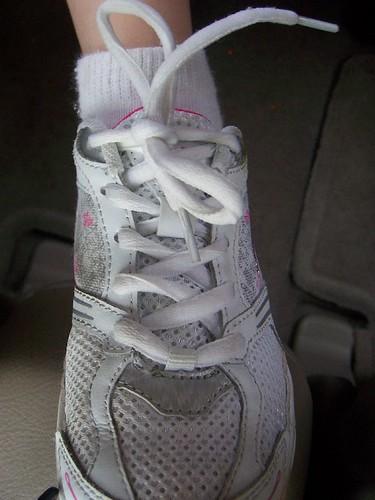 tie_shoe