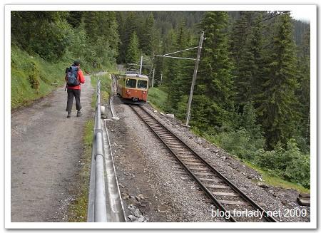 往winteregg車站步道