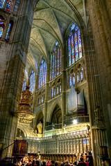 Interior de la Catedral de León 3 HDR