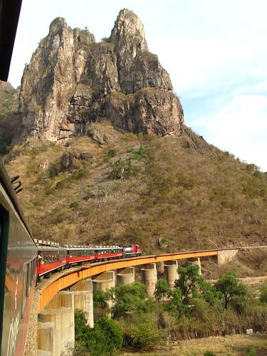 Crossing the Temoris railway bridge